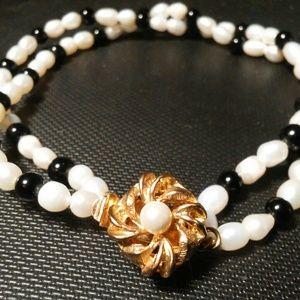 Jewelry - PEARL Bracelet seed pearl beads gold swirl clasp